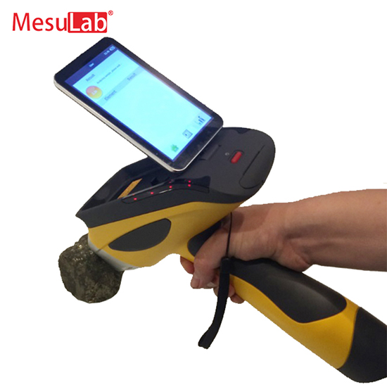 Hand-held X-ray Fluorescence Mineral Analyzer